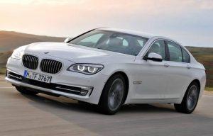 Výfuková metoda elektrického vodního čerpadla BMW